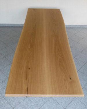Eiche Baumtisch aus 2 Bohlen eines Stammes zusammengefügt