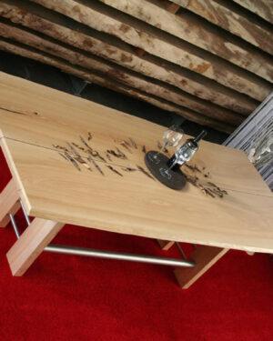 Baumtisch Esstisch Esche mit Naturbaumkante im Landhausstil